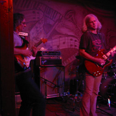 Todd jamming with Sonny Landreth - Chicago